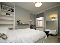 MODERN THREE BEDROOM FIRST FLOOR FLAT WITH GARDEN