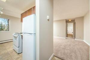 *INCENTIVES* 1 Bdrm w/ Balcony in Oliver Area Adult Bldg! ~ 67