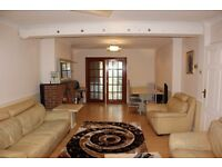 STUNNING 6 BEDROOM HOUSE IN FANTASTIC CONDITION