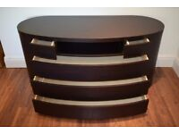 * Oval Shaped - Premium Chest of Drawers & 2 matching bedside tables *