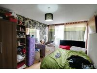 1 Bedroom Flat fully furnished with extras available immediately !for long term rent