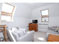 VOLTAI - A glorious two bedroom, two bathroom flat