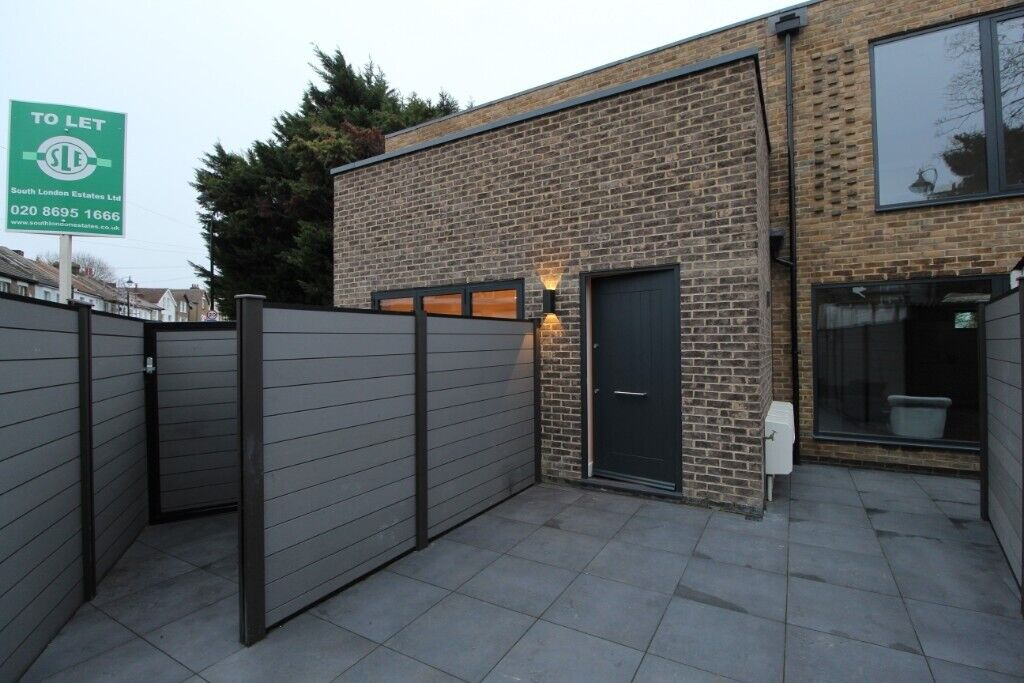 Brand New Modern 2 Bedroom House To Rent In The Heart Of South