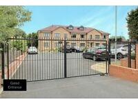 Freehold Executive 1 Bedroom Gated Apartment Located in LU2.