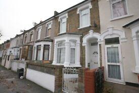3 DOUBLE BEDROOM house 2reception rooms, ground floor bathroom & private rear garden. *Hall Road*