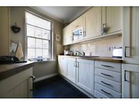 Short Term Let (ref: 104) Elegant and stylish 2 bedroom property located in Edinburgh's New Town
