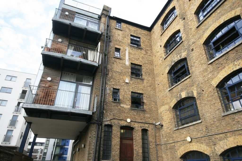Lovely, spacious 2 bed warehouse conversion in zone 1 - comes fully furnished
