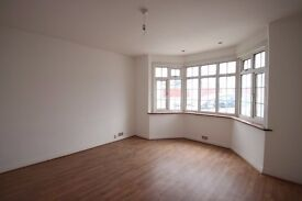 NW11 Golders Green - 4 Bedroom House - Ideal for Sharers/ Family - Loft Space - Garden & Patio