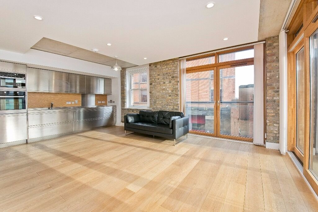 AMAZING 1 DOUBLE BEDROOM APARTMENT WITH CANAL VIEWS SET IN THE DESIRABLE HENSON BUILDING
