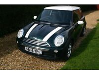 CLASSIC LOOK BRITISH RACING GREEN AND WHITE MINI COOPER 1.6 LOW MILES 66K
