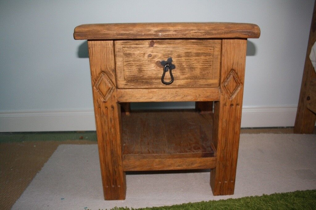 Rustic Wooden Bedside Table With 1 Drawer