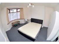 4 DOUBLE BEDROOM PROPERTY - FULLY FURNISHED - STUDENTS & PROFESSIONALS