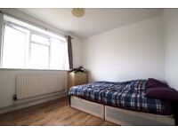 COSY DOUBLE ROOM!! AWESOME LOCATION!! Shadwell