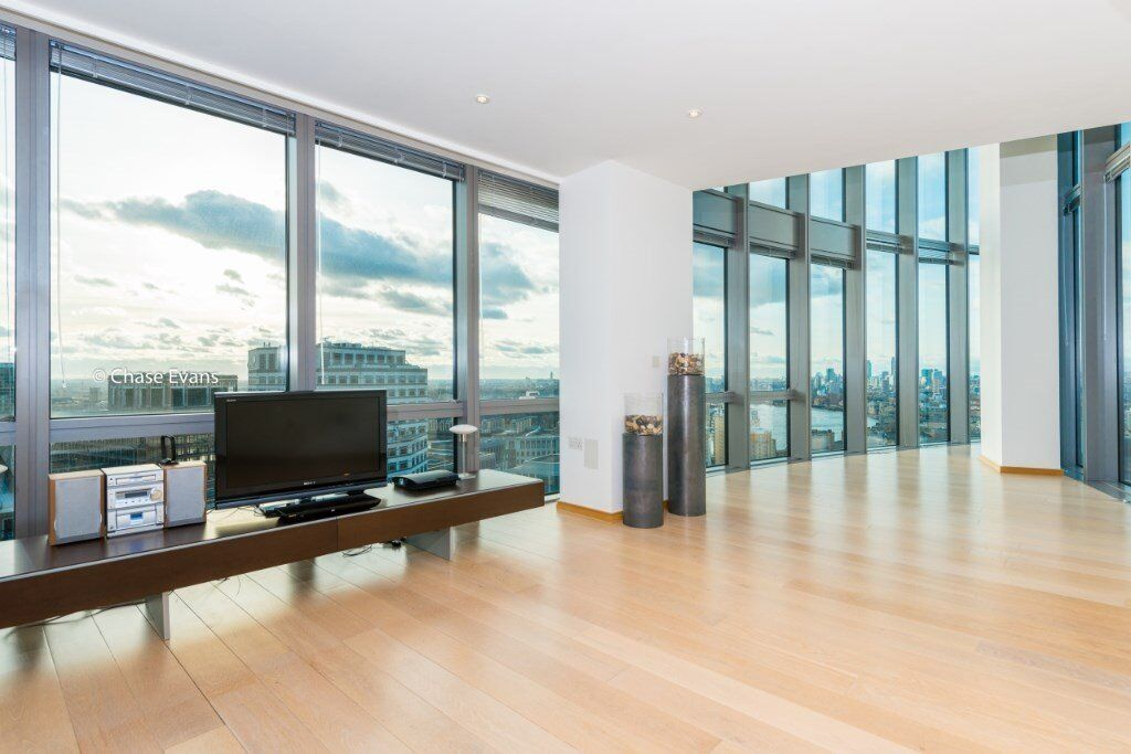 LUXURY DESIGNER FURNISHED 2 BED 2 BATH 27th FLOOR WEST INDIA QUAY CANARY WHARF E14 WEST FACING
