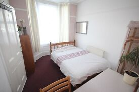 DOUBLE ROOM sharing clean Portsmouth University Sudent House