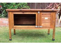 RABBIT/GUINEA PIG HUTCH GREAT CONDITION REFURBISHED