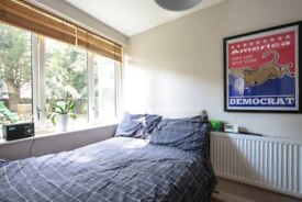 Short term let - Double room in lovely flat in Upper Holloway