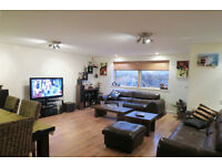 Stunning 2 Double Bedroom Penthouse in Hounslow with 2 Bathrooms Balcony Furnsihed
