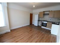 Recently Renovated in excellent condition 2 bedrooms first floor flat with Driveway - Seven Kings