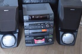 SONY 5 CD CHANGER/RADIO DOUBLE CASSETTE 230W CAN BE SEEN WORKING
