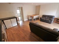 One bedroom flat in Hyde Park- perfect for individuals/couples