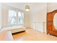 Amazing spacious 3 bed maisonette to rent in Brixton. Available immediately.