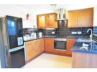 STUNNING THREE BEDROOM HOUSE IN CENTRAL THAMESMEAD SE28!!!