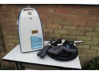 (A) Electrolux Lite 1000 Robust cylinder vacuum cleaner