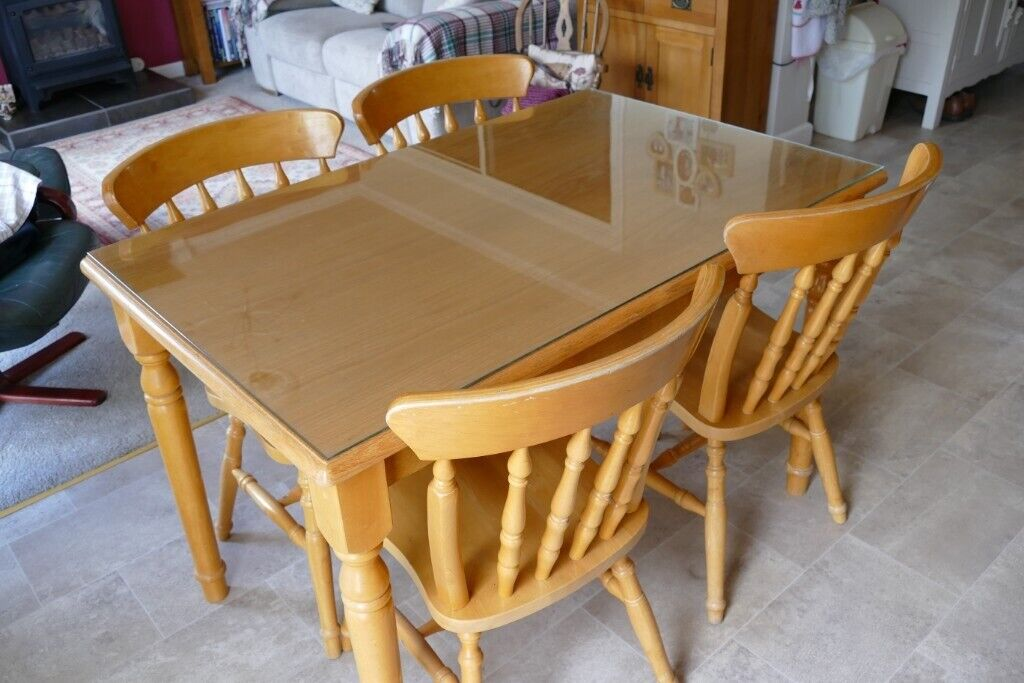 pine kitchen table with 4 chairs  in birstall
