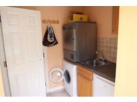 Double rooms - Wardon, Worcester - from £100pw inc bills