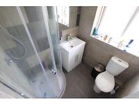 DOUBLE Room TO LET RENT. AVAILABLE NOW. CLOSE TO Hatfield Business Park, TRAINS & SHOPS. AL10 AL7