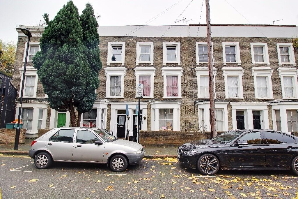 Spacious 3 Bedroom Flat to rent with Garden | Excellent Location | Piccadilly Line 2 Mins Walk Away!