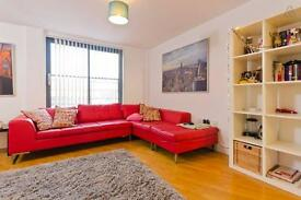 Penthouse 2 Bed Duplex Apt with roof terrace & parking. Central City Centre close to Liverpool One