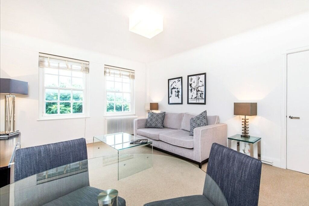 Beautiful modern one bedroom apartment in the heart