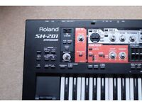 Roland SH-201 Synthesizer - Working Perfectly