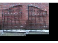 Driveway Gates, 8 ft wide openning, good quality steel ideal for driveway and lockable