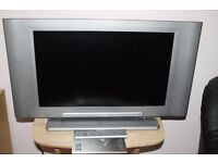 """Hitachi 22"""" LCD TV - for spare or repair"""
