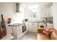 2 Rooms in 3 bed apartment available now