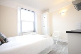 Bedsit £75 per week All Bills included including WiFi private parking