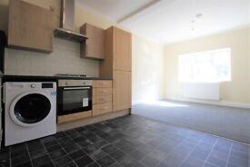 5 Bedroom/2 Bathroom Flat for Rent - Ideal for Sharers - Near Cricklewood Thameslink Station