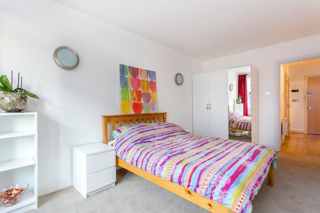 £430PW - CHALK FARM - 2 BEDROOM - REFERENCING FEE HALF PRICE!