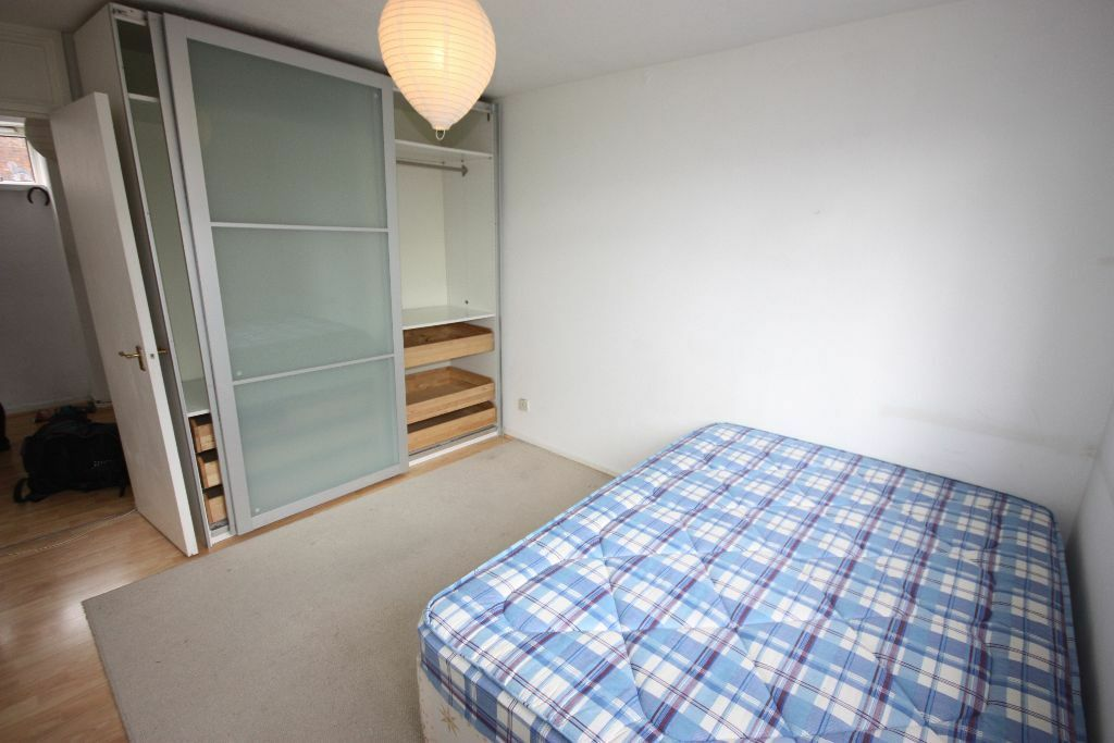 HUGE 2 DOUBLE BEDROOM MAISONETTE CLOSE TO KINGS CROSS