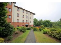 2 bedroom flat in Orchard Brae Avenue, Orchard Brae, Edinburgh, EH4 2GA