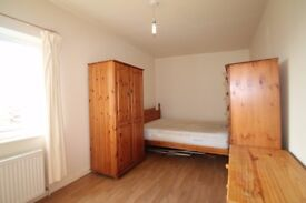 Large double room with bills & WI-FI included