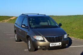 Chrysler Voyager 2004, 142k for spares or repair
