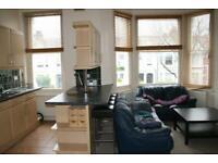 2 bedroom flat in Harvist Road, North West London