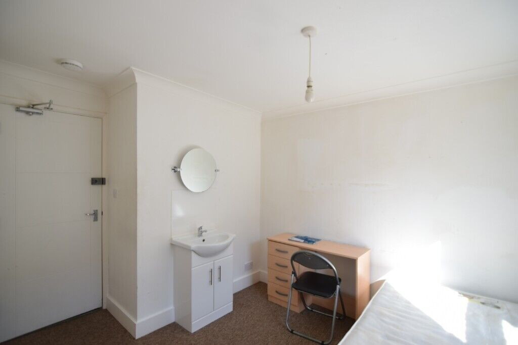 Strange Room Available To Rent In Spacious 6 Bedroom House Roedale Road Brighton Close To Universities In Brighton East Sussex Gumtree Beutiful Home Inspiration Semekurdistantinfo