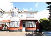 WANSTEAD E12 - STUNNING 4 BEDROOM HOME - REFURBISHED - 2 BATHROOMS - PARKING - £450PW