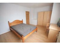 Bright and Airy double room to let in Morden , South West London , Next to Wimbledon for rent