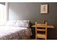WHITECHAPEL, E1, BRIGHT AND AIRY, 4 BEDROOM APARTMENT **INCLUSIVE**